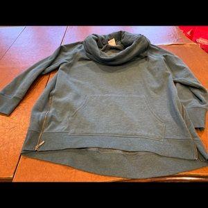 Grey/Blue turtleneck sweatshirt.